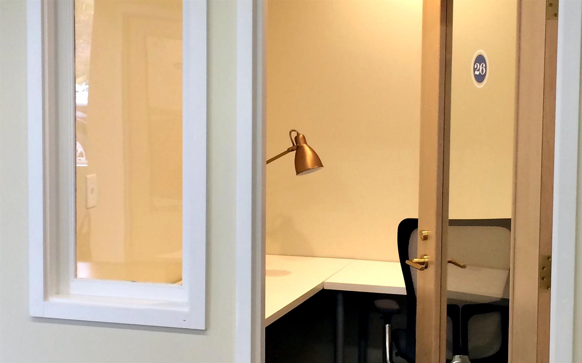 Work Station - Medium - Dedicated Office