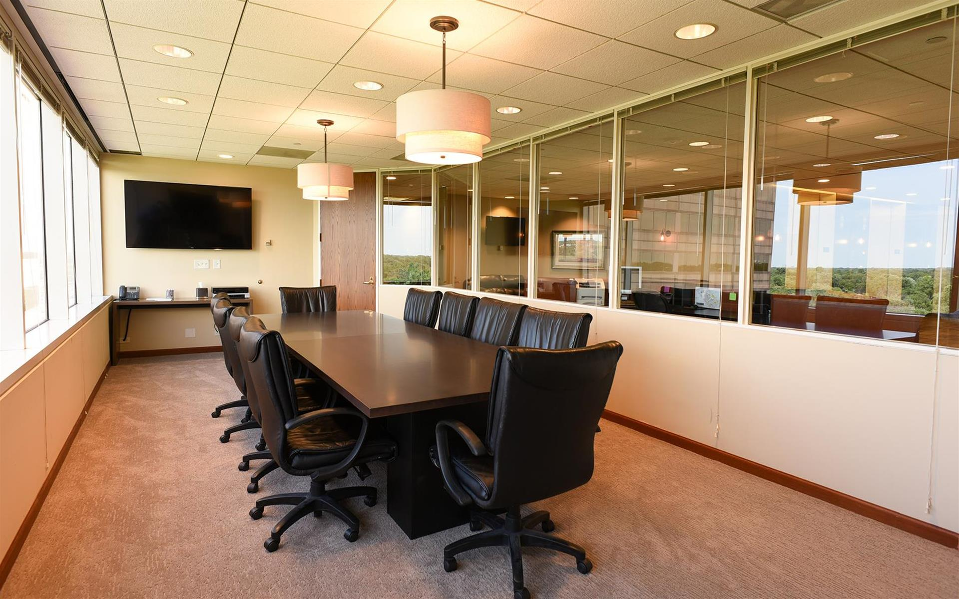 private meeting room for 10 at my office suite oakbrook
