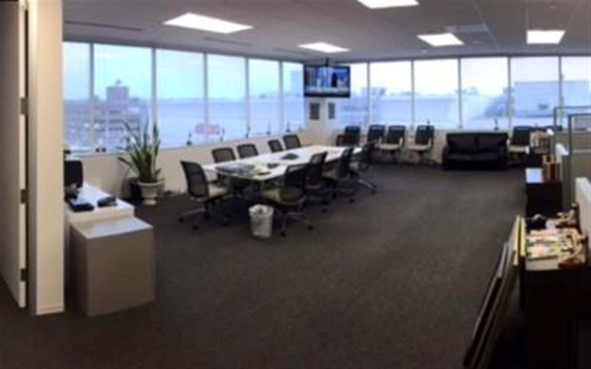 AdvantEdge BC - Chevy Chase, DC Center - Suite 636-Corner suite + private office