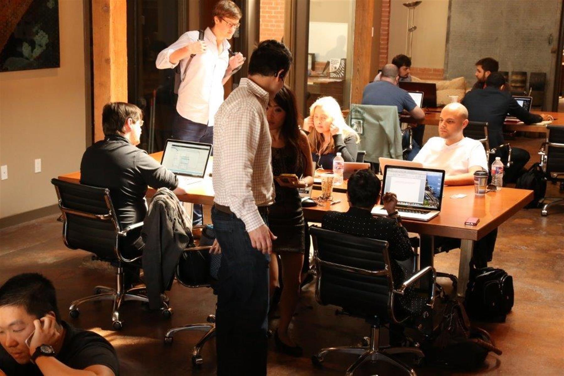 Dallas GeniusDen - Deep Ellum Downtown - GeniusDen Open Desk
