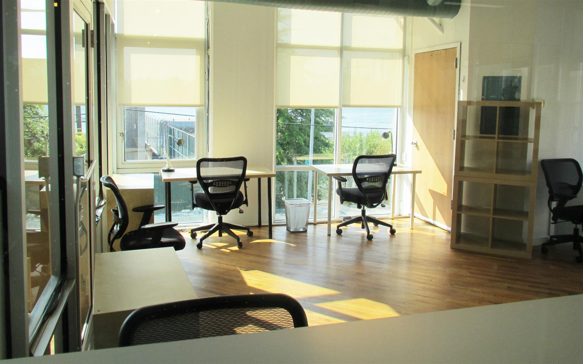 Green Desk - 240 Kent Ave - All Inclusive 6 Desk Office