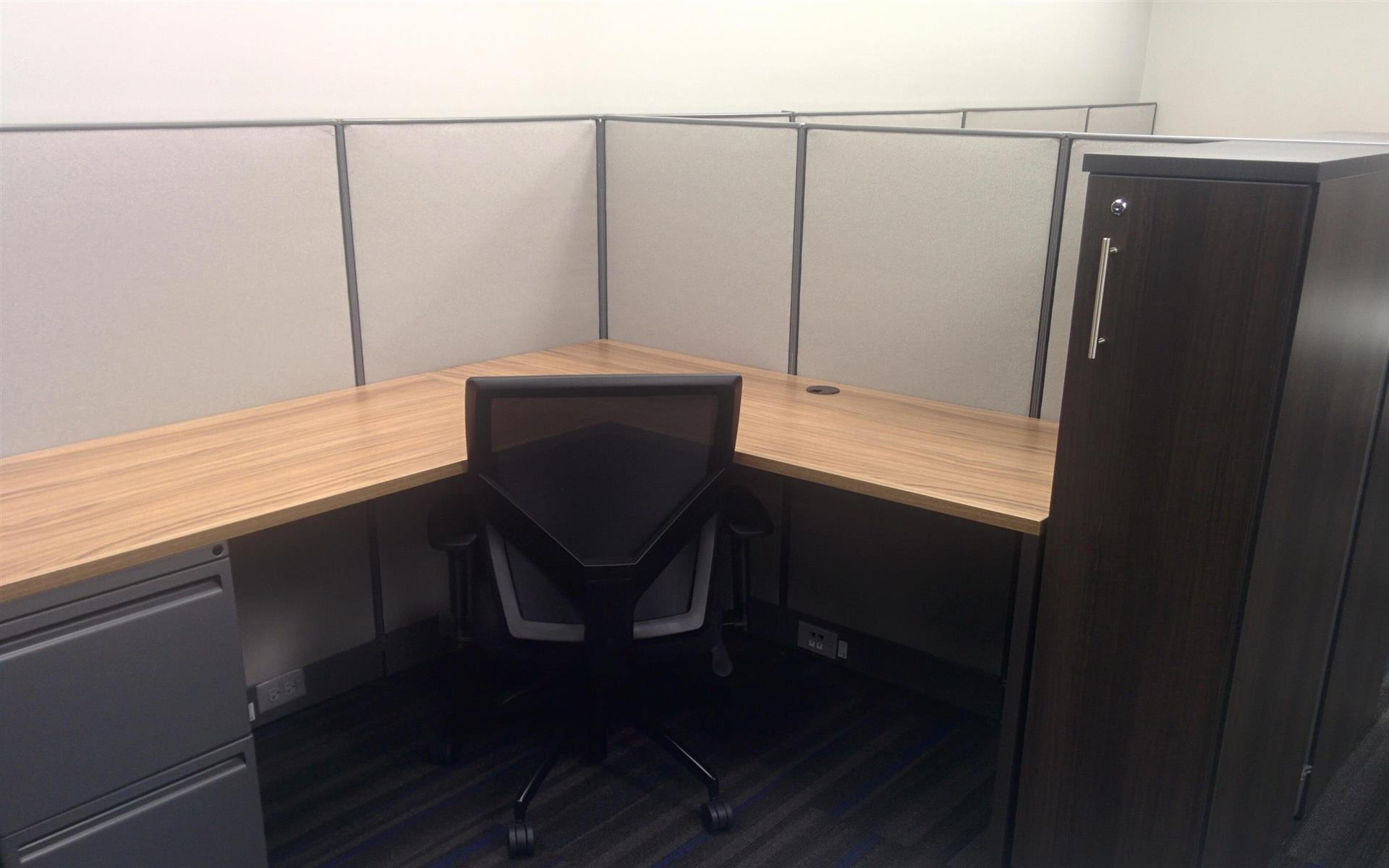 SolVast Corp - Dedicated Desk
