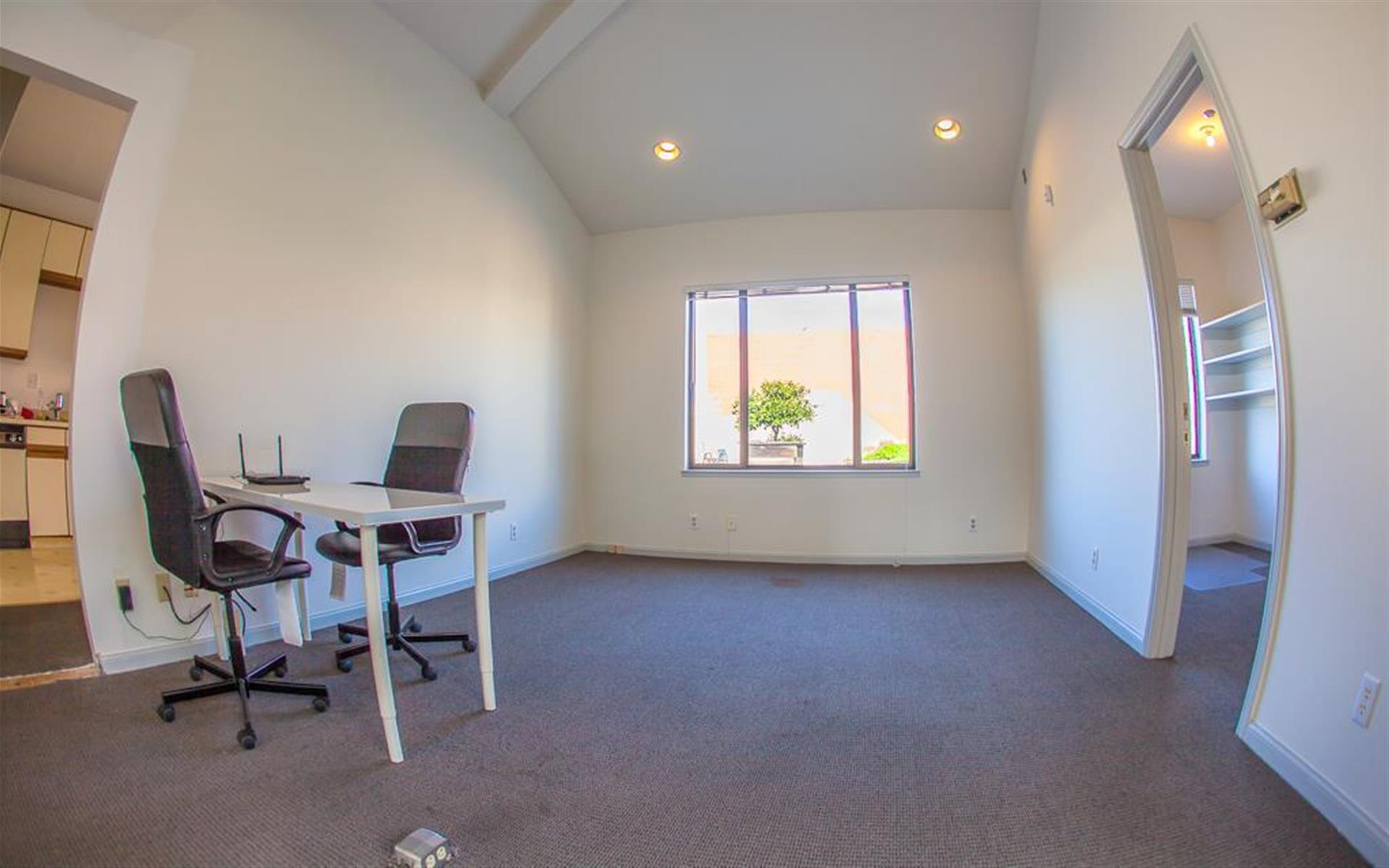 19th Street Suites - Droids - Open Desk