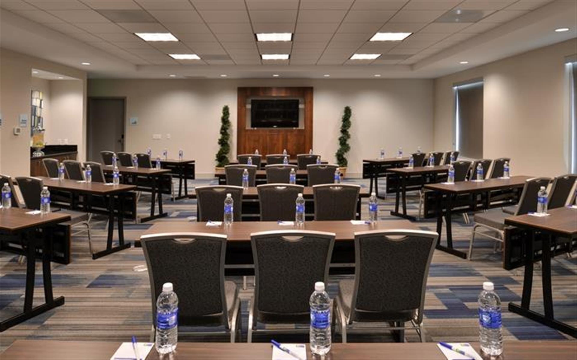 Holiday Inn Express & Suites Loma Linda - Sagemont Room