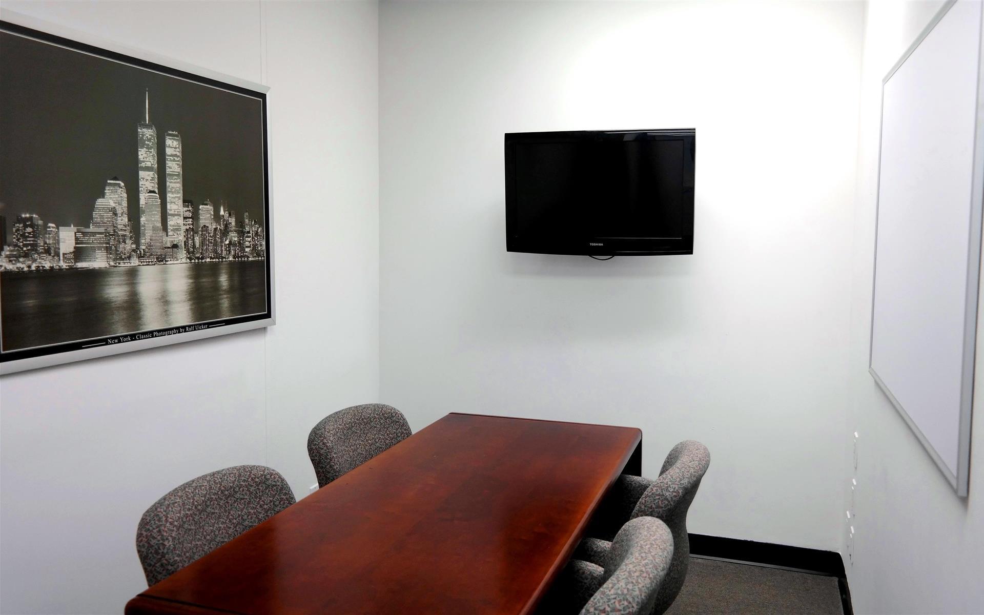 1 Hallidie Plaza - Conference Room + Waiting Area