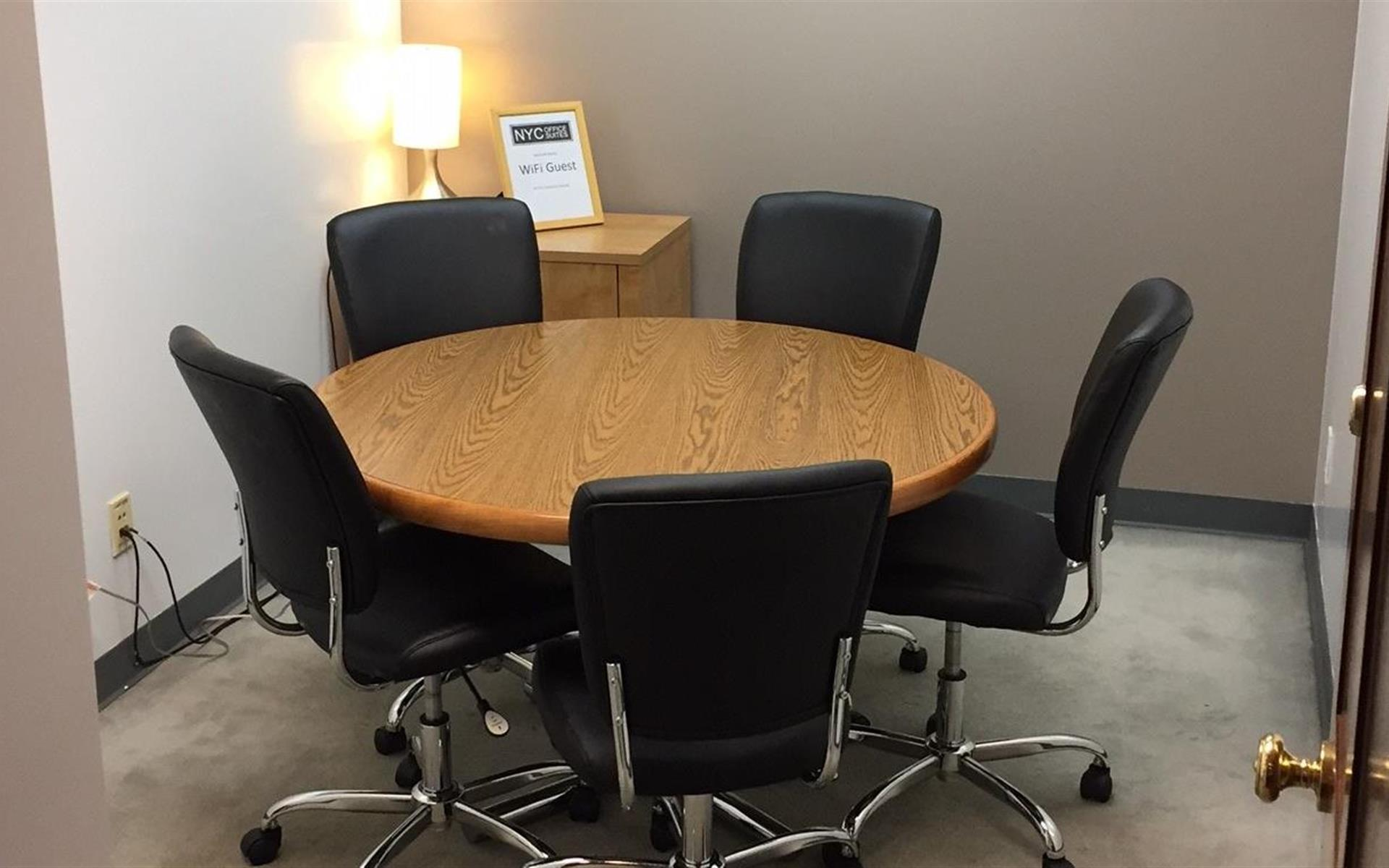 NYC Office Suites 708 (3rd Ave. & 44th) - Meeting Room 708 (Cap. 4)
