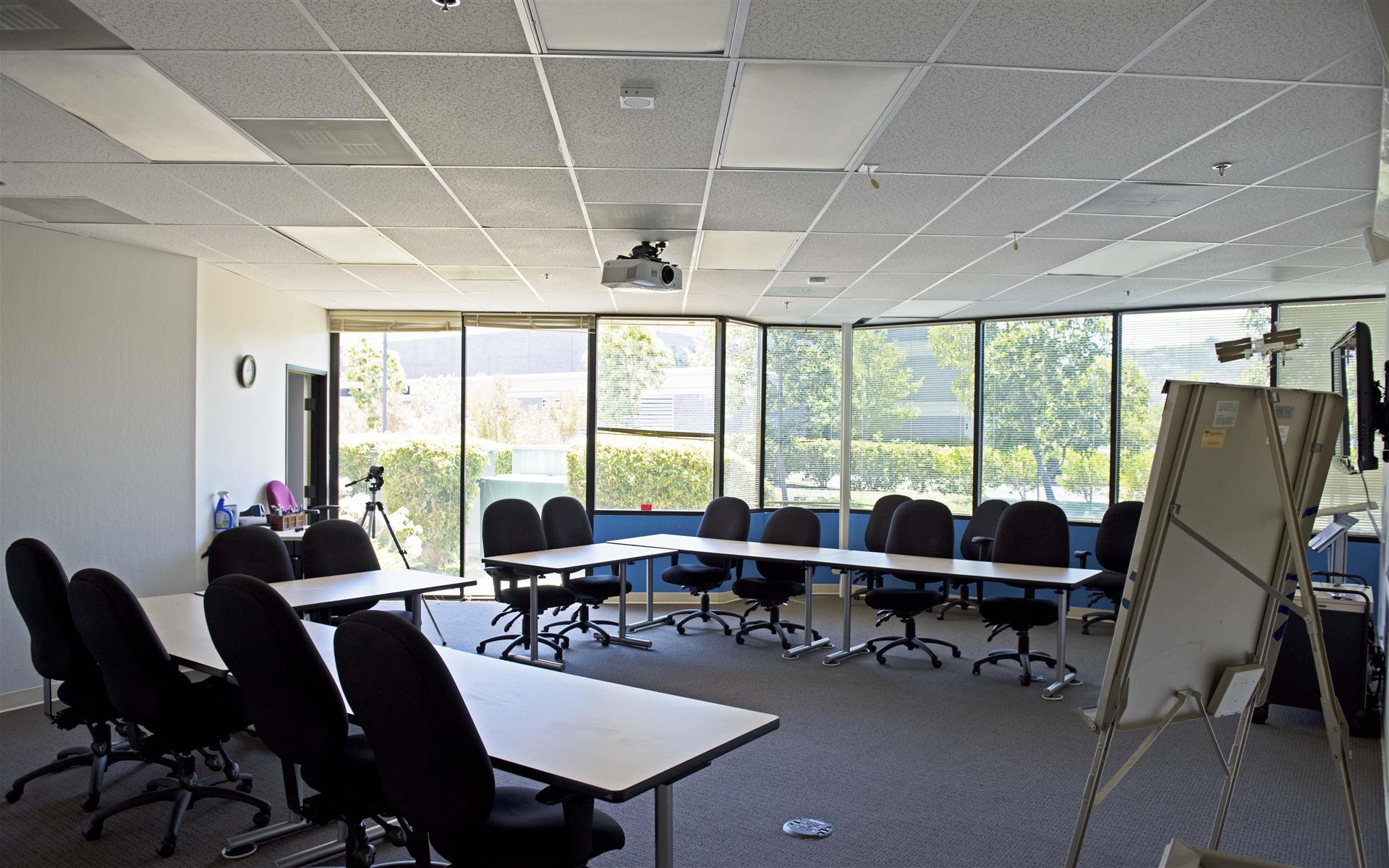 PowerSpeaking, Inc. - Training Room in Redwood City (2)