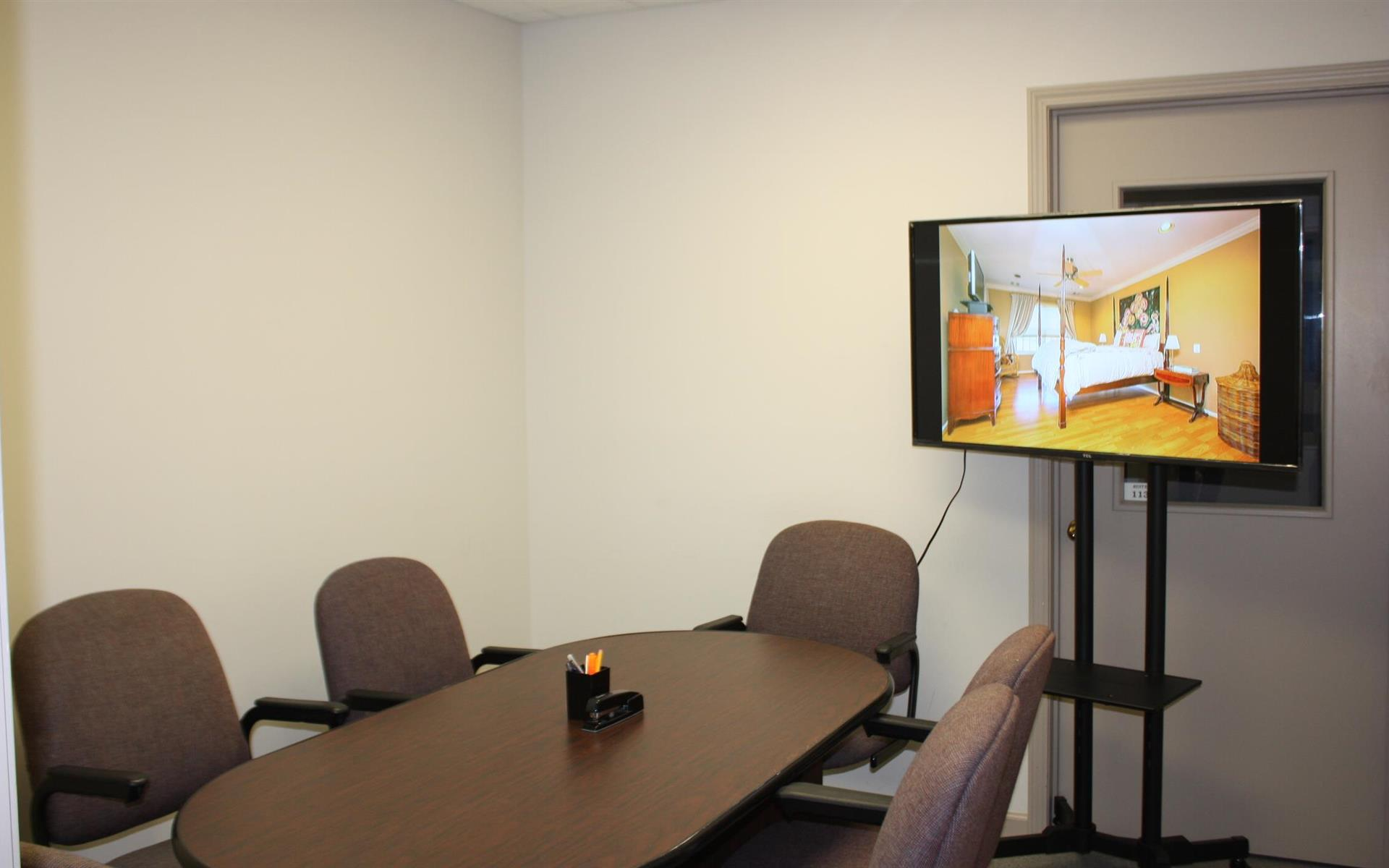 Offices and Coworking in Central NJ - Metuchen, NJ - Conference Room: up to 6 people (#105)