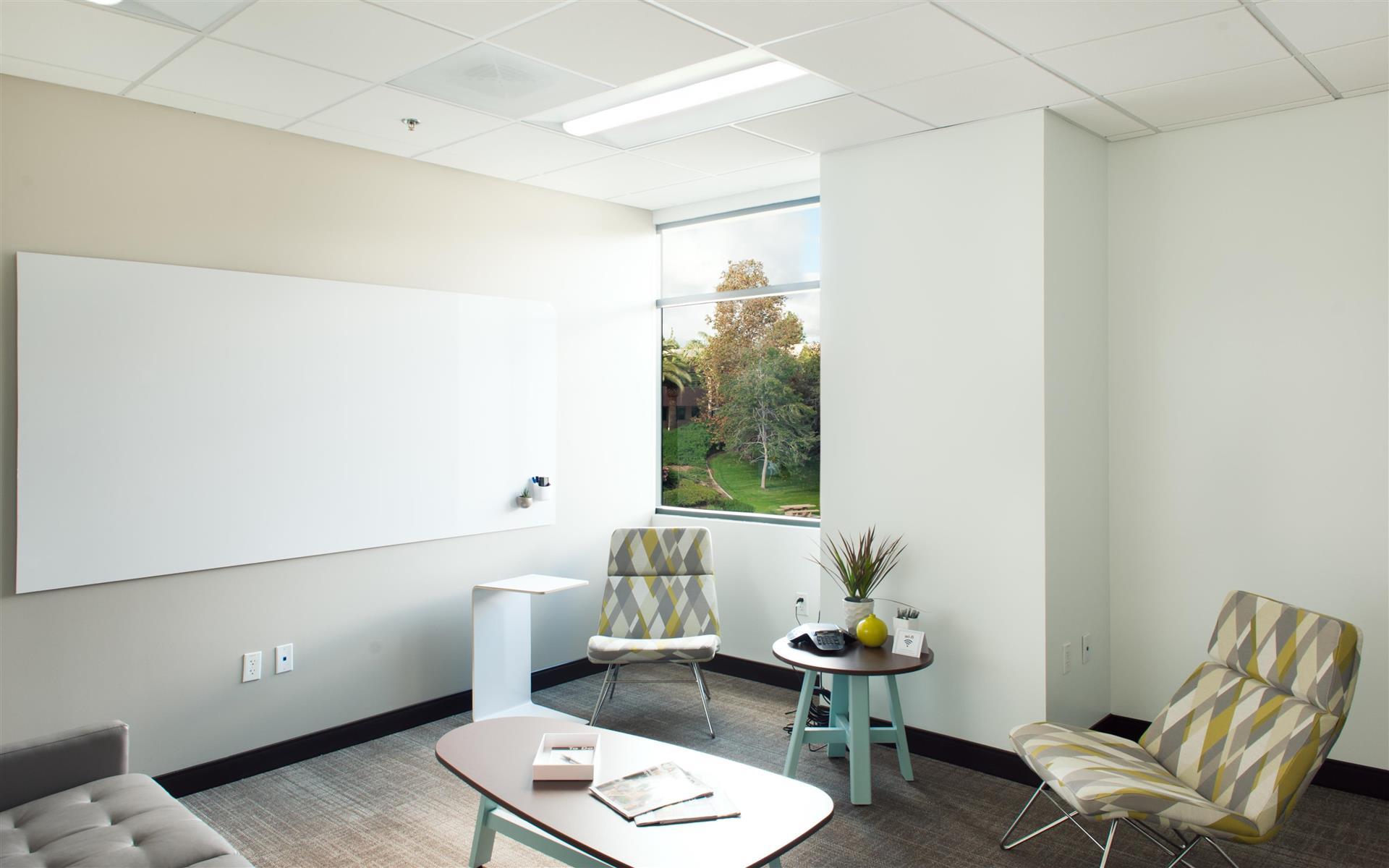Avanti Workspace - Shorebreak Meeting Room