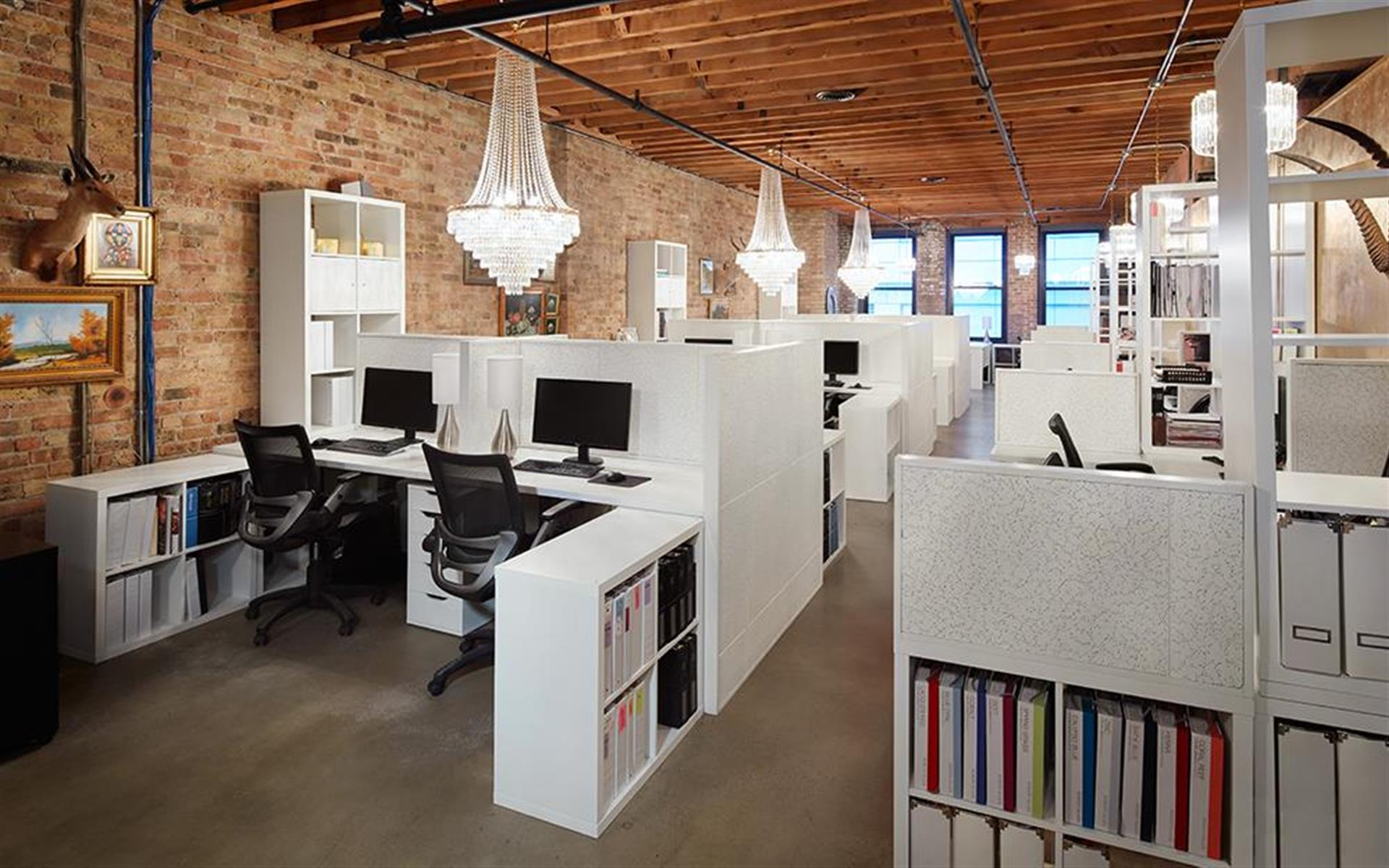 25 West Hubbard, 2nd floor, Chicago - Dedicated Workstations