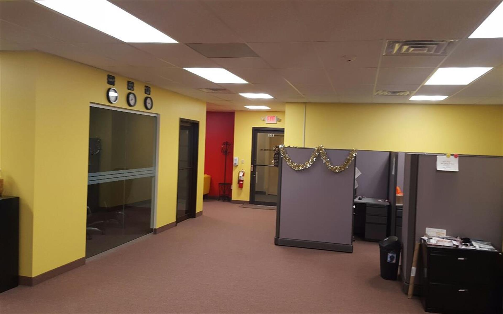 US IT Solutions-Team Space - Colorful space easy commute to NYC