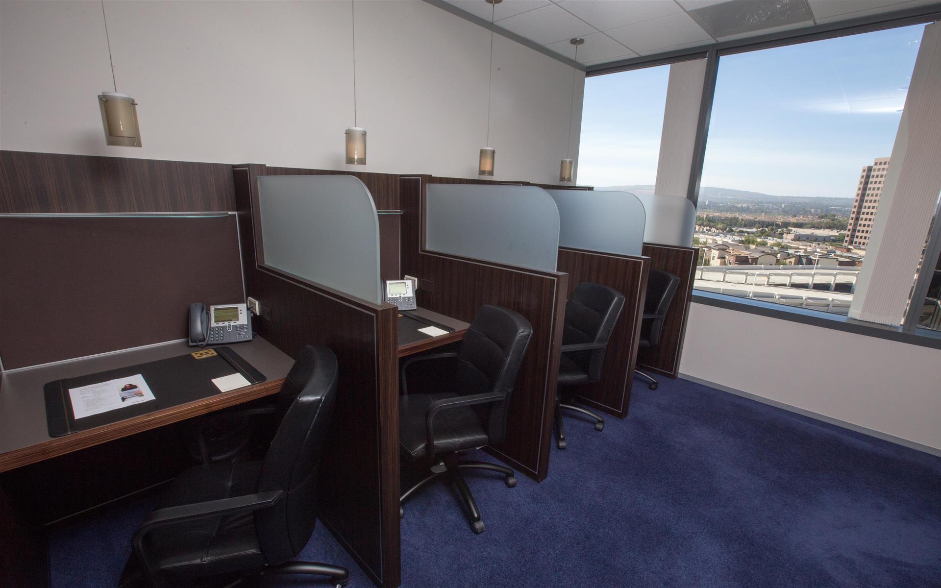Servcorp - Orange County - Coworking Lounge Workspace 3