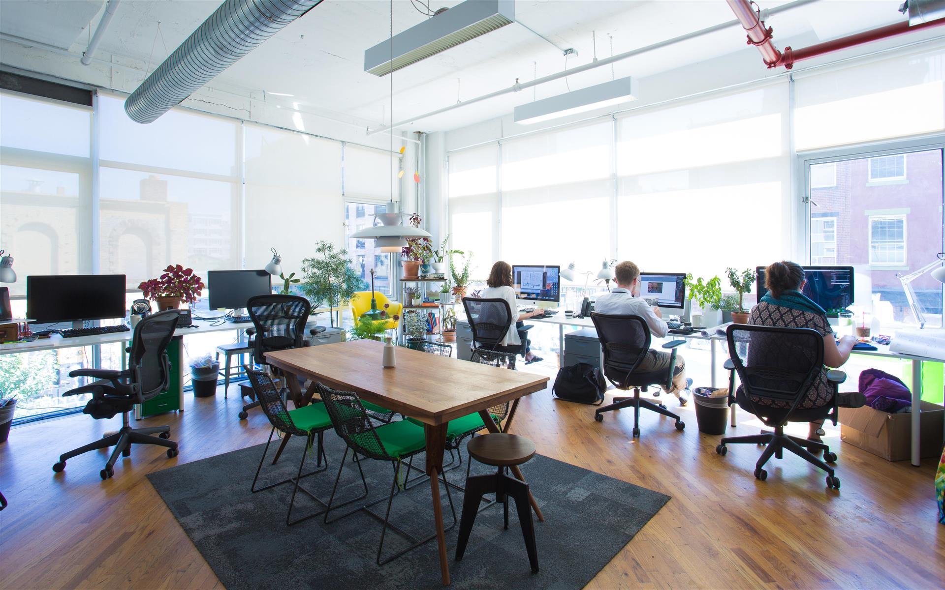 Green Desk - 240 Kent Ave - Fully Furnished 11 Desk Office