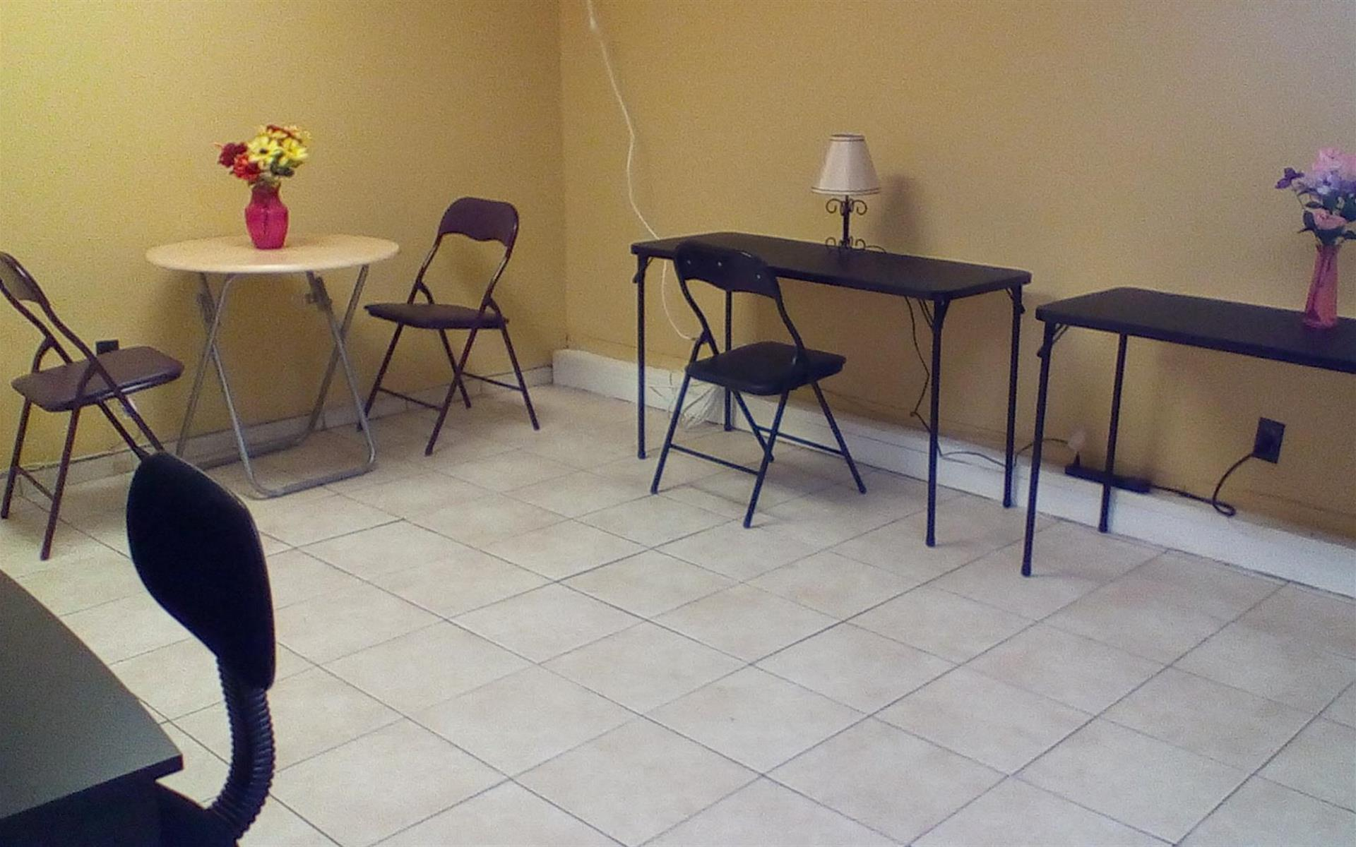 The Gold Zone Coworking Space - Bloomfield, NJ - The Gold Room Meeting Space