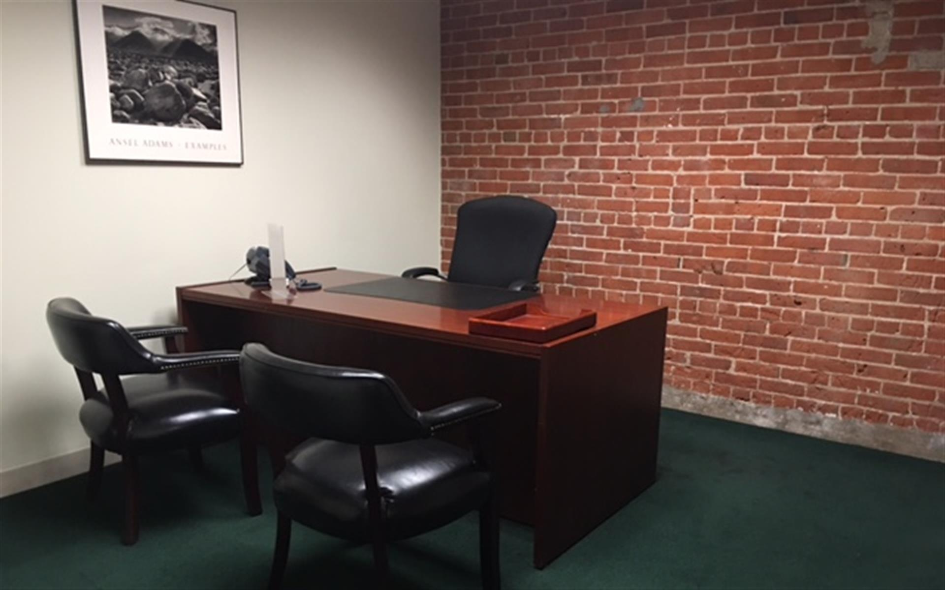 BLT Business Centers - The Day Office 1