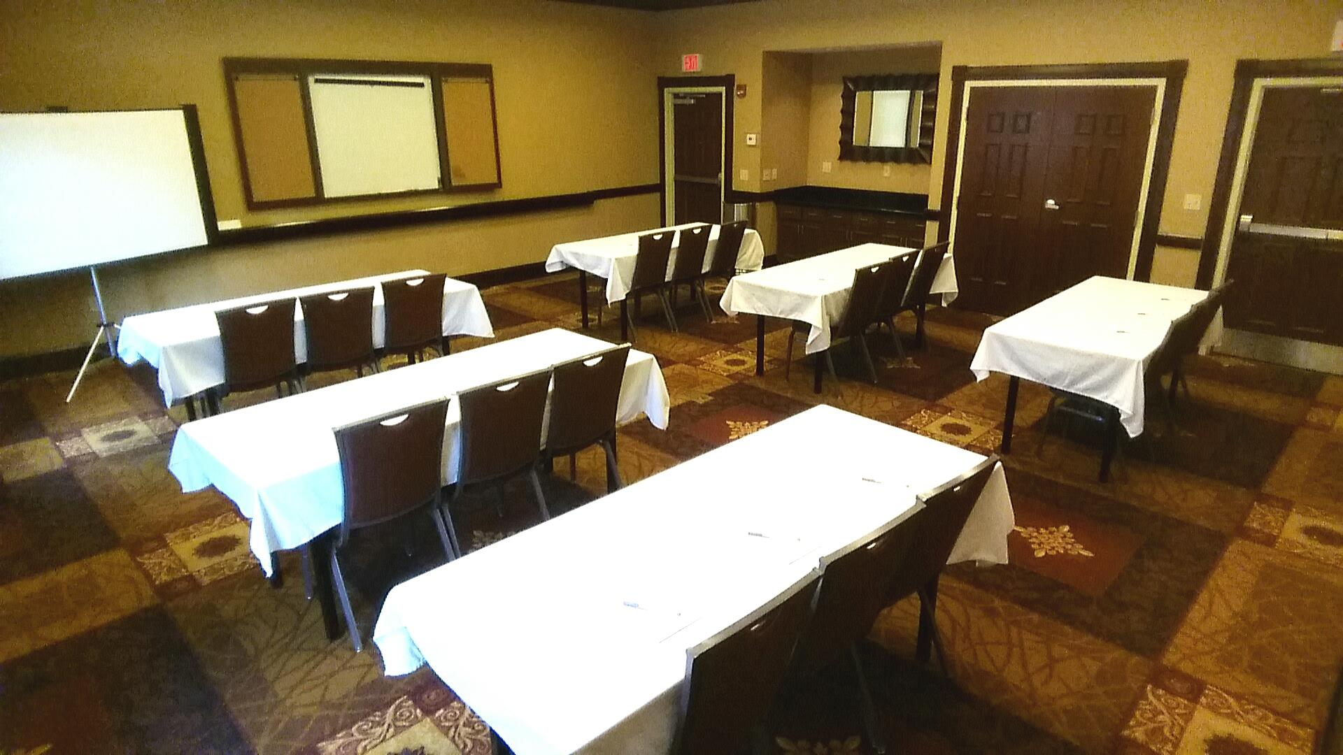 Hampton Inn & Suites Glen Mills - The Wyeth Room