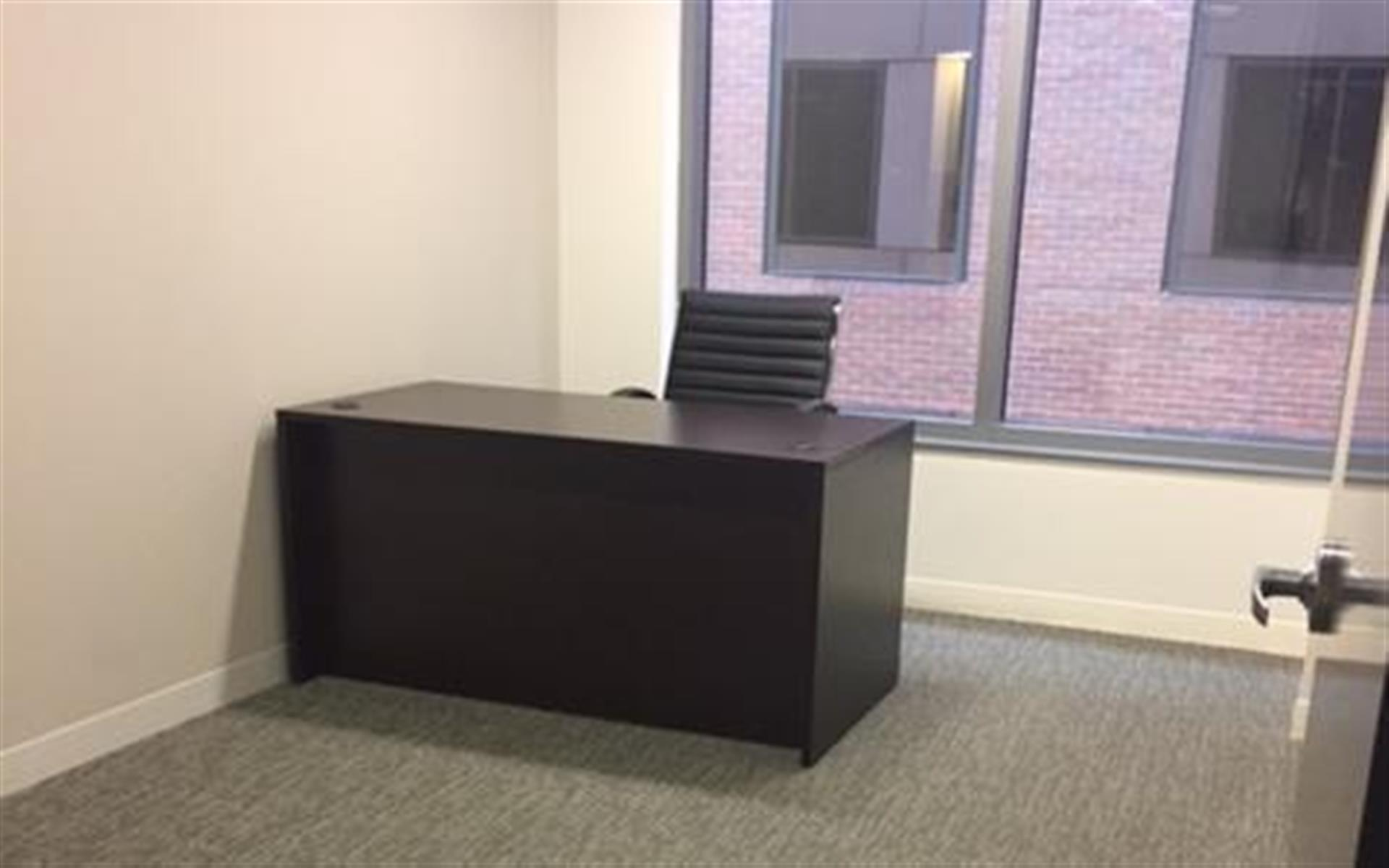 Centurion Center DC - Suite E3 - Windowed Office