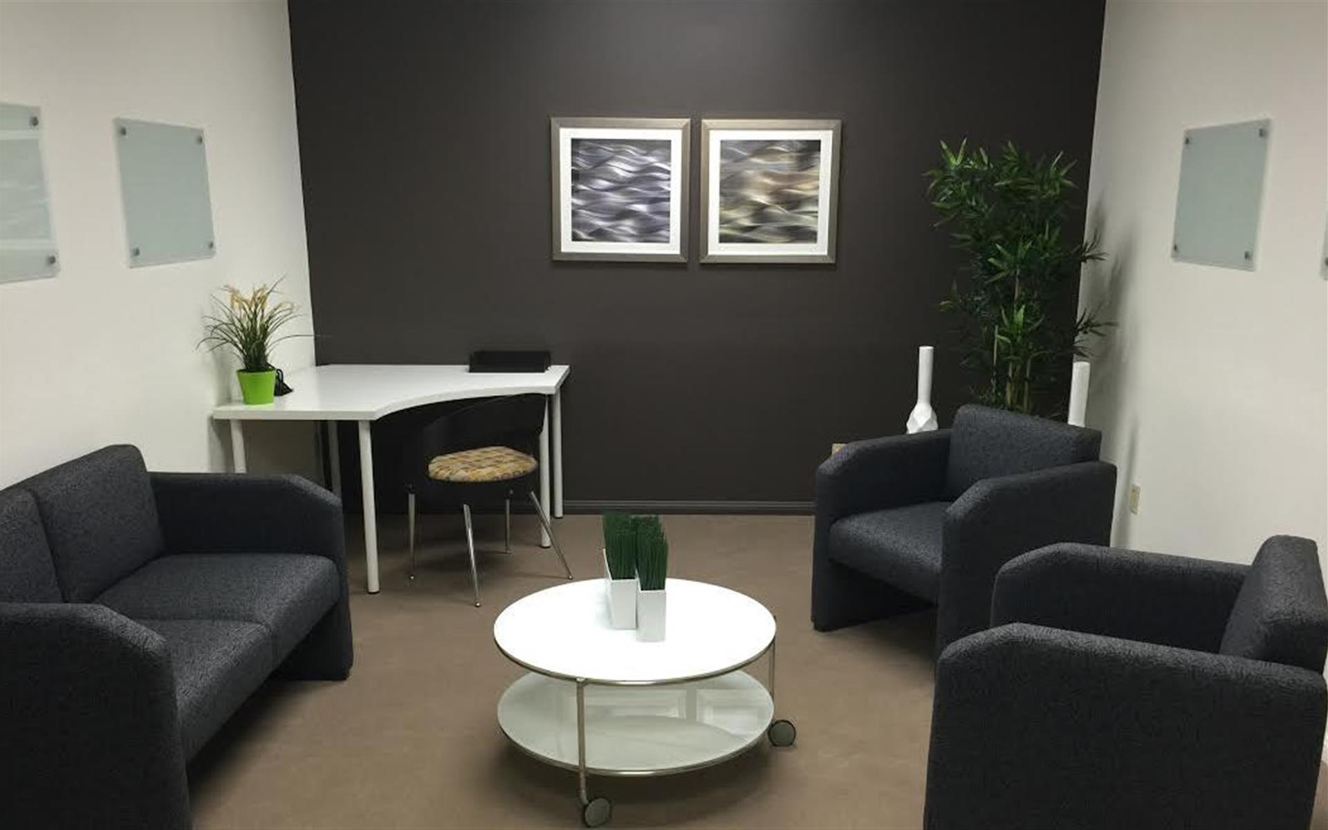 Courtyard Business Center - Therapist/Coach Meeting Room