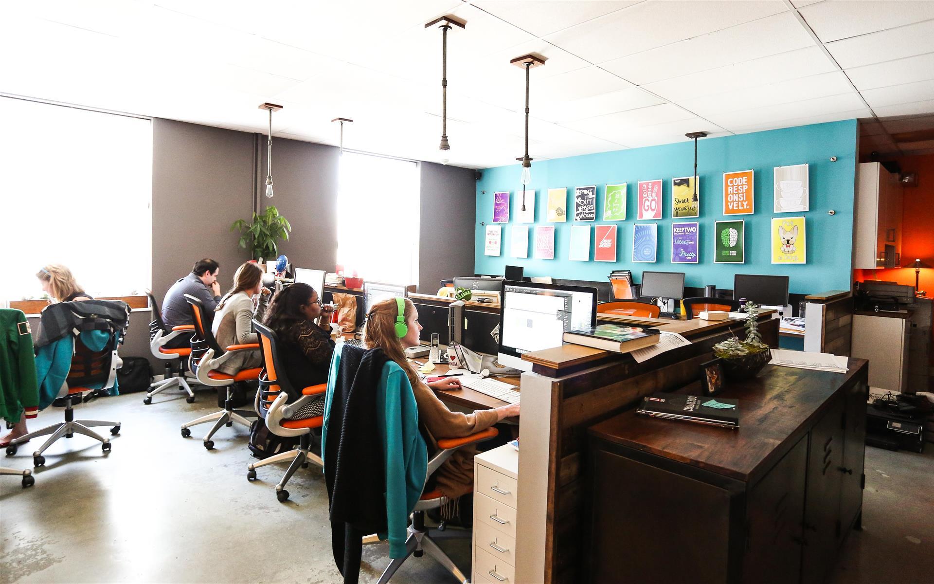 Canonball - Dedicated Desk