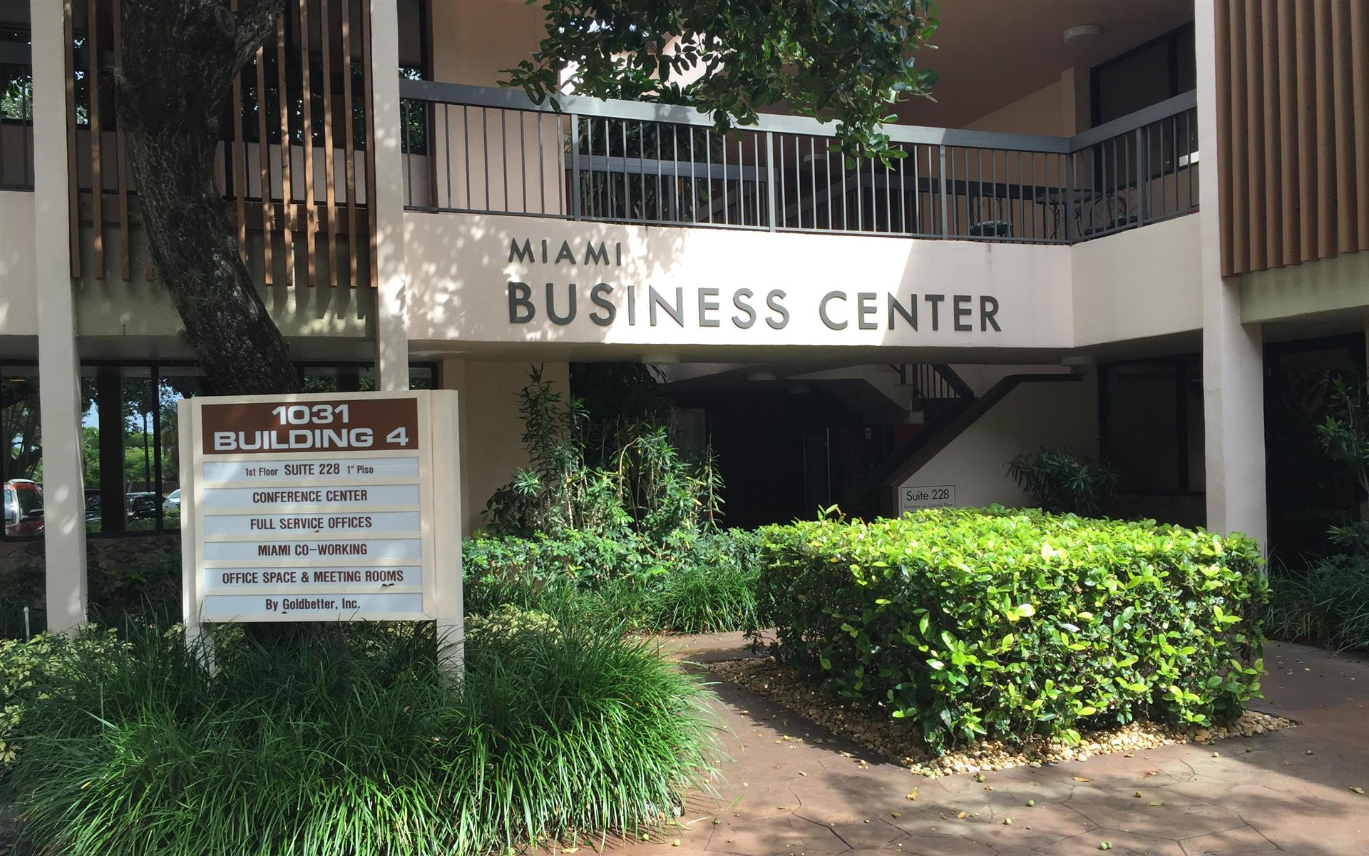 Goldbetter Miami Office Business & Conference Center - Private Office Space- Tri-County Spot