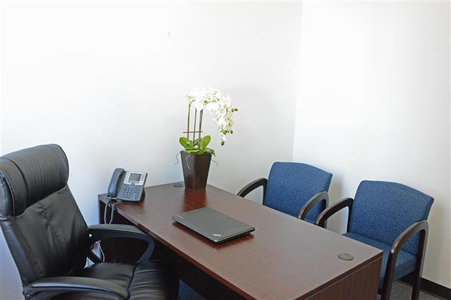 4Corners Business Centers - Downtown Brooklyn, NY - Private Office