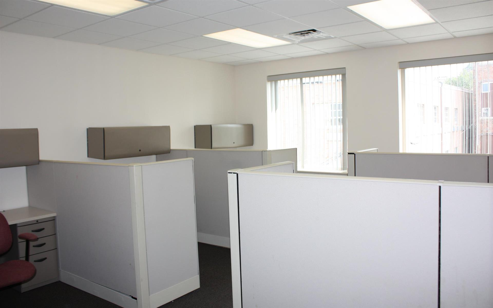 Offices and Coworking in Central NJ - Metuchen, NJ - Suite 216 - Team Office