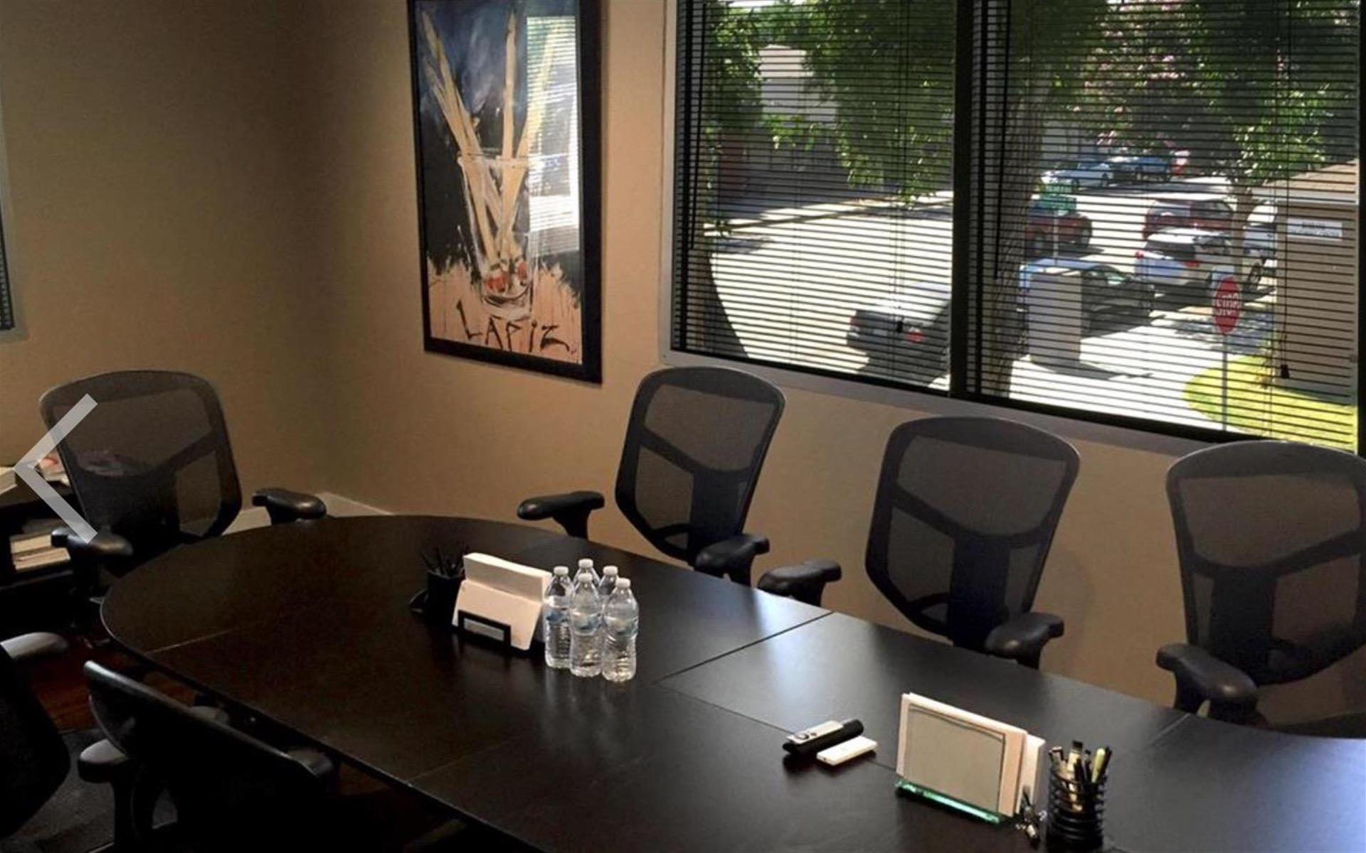 Eiffel Media - Monthly rental for conference room for 7