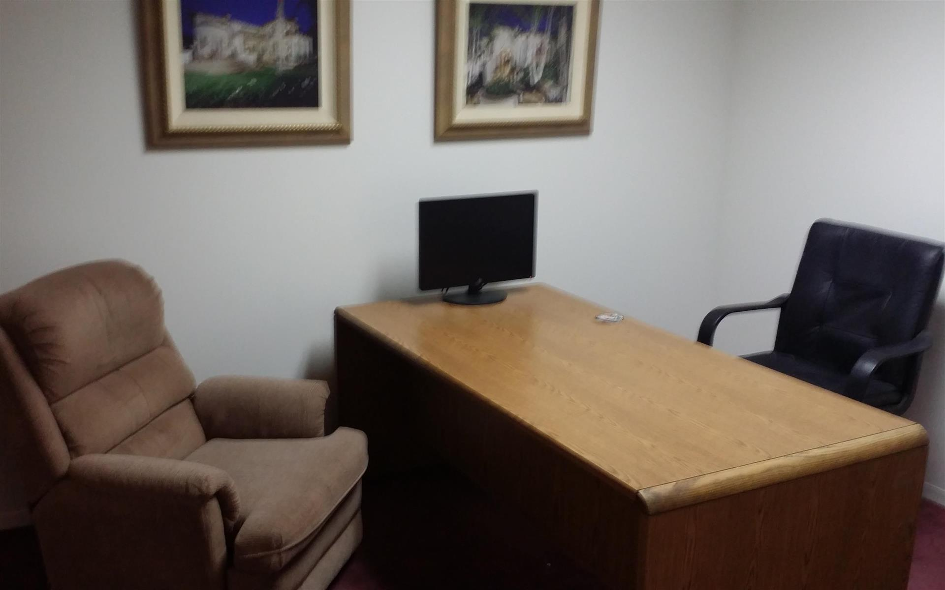 The Headquarters Coworking - Suite 104 Day Office