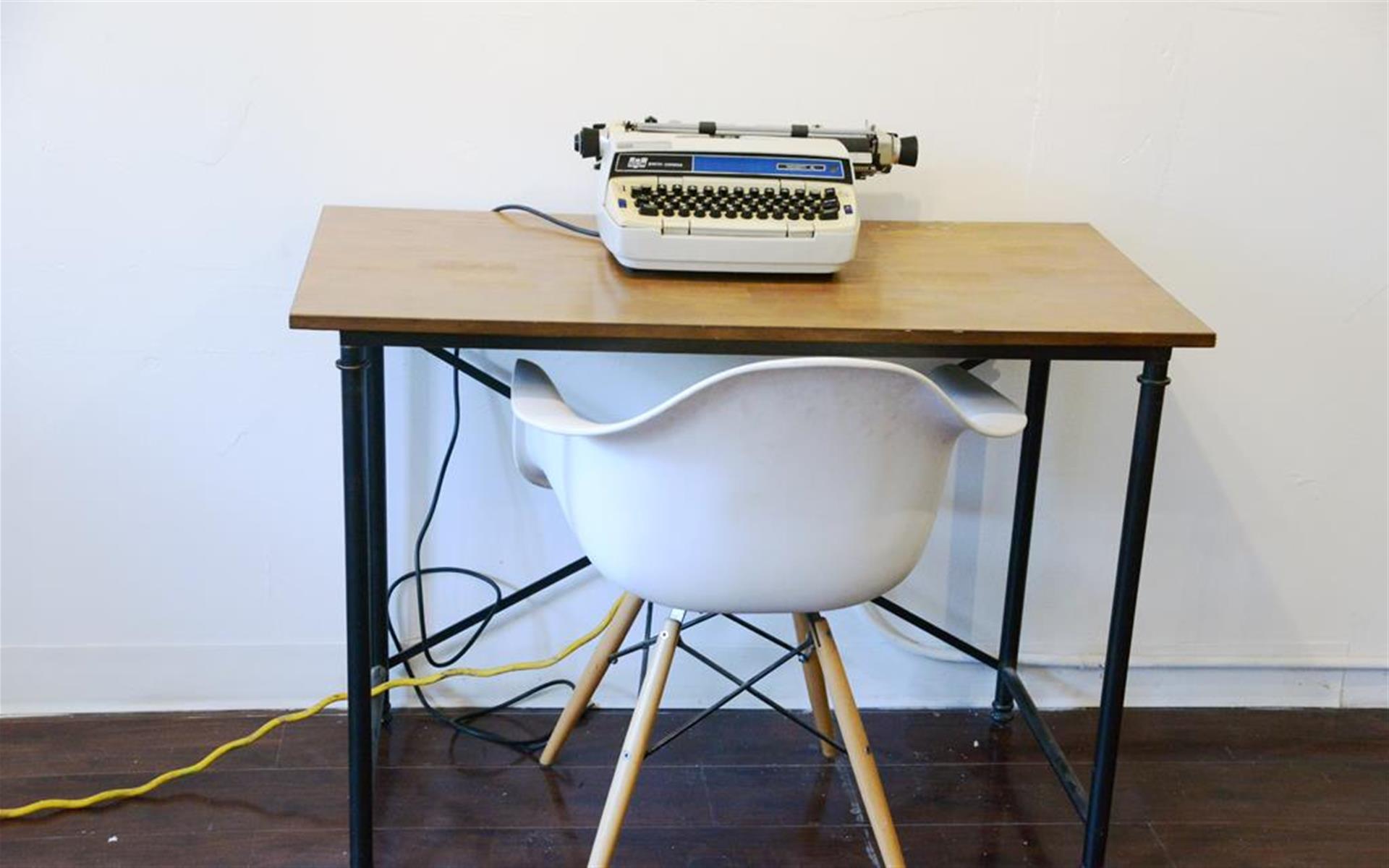 IDIO Gallery Workspace - Private Desk