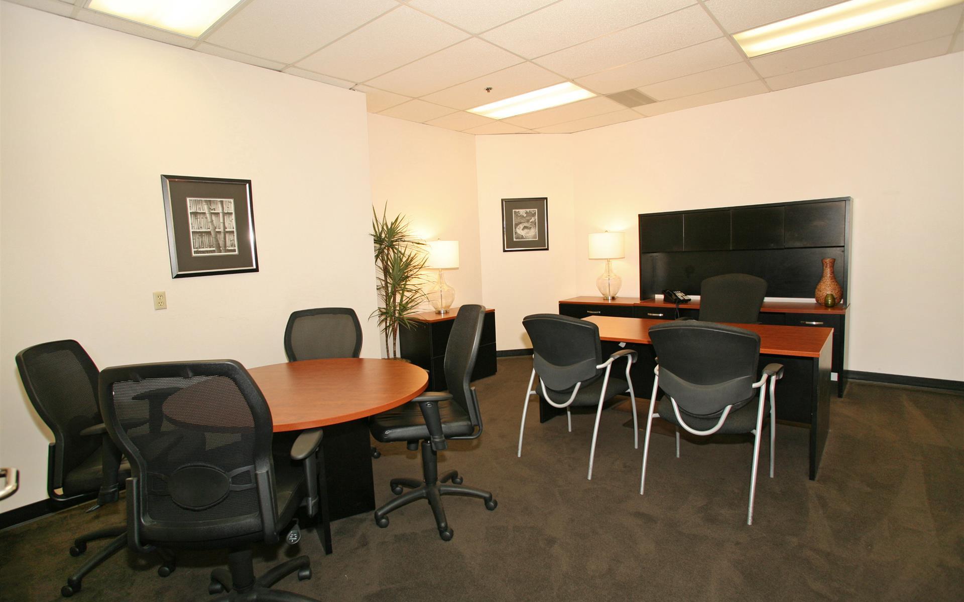 (HBP) Huntington Beach Plaza - Interior Office