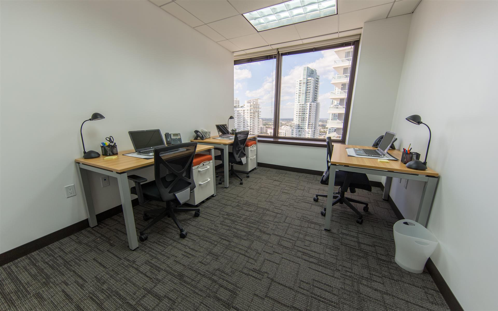 Synergy Workspaces - Large Day Office