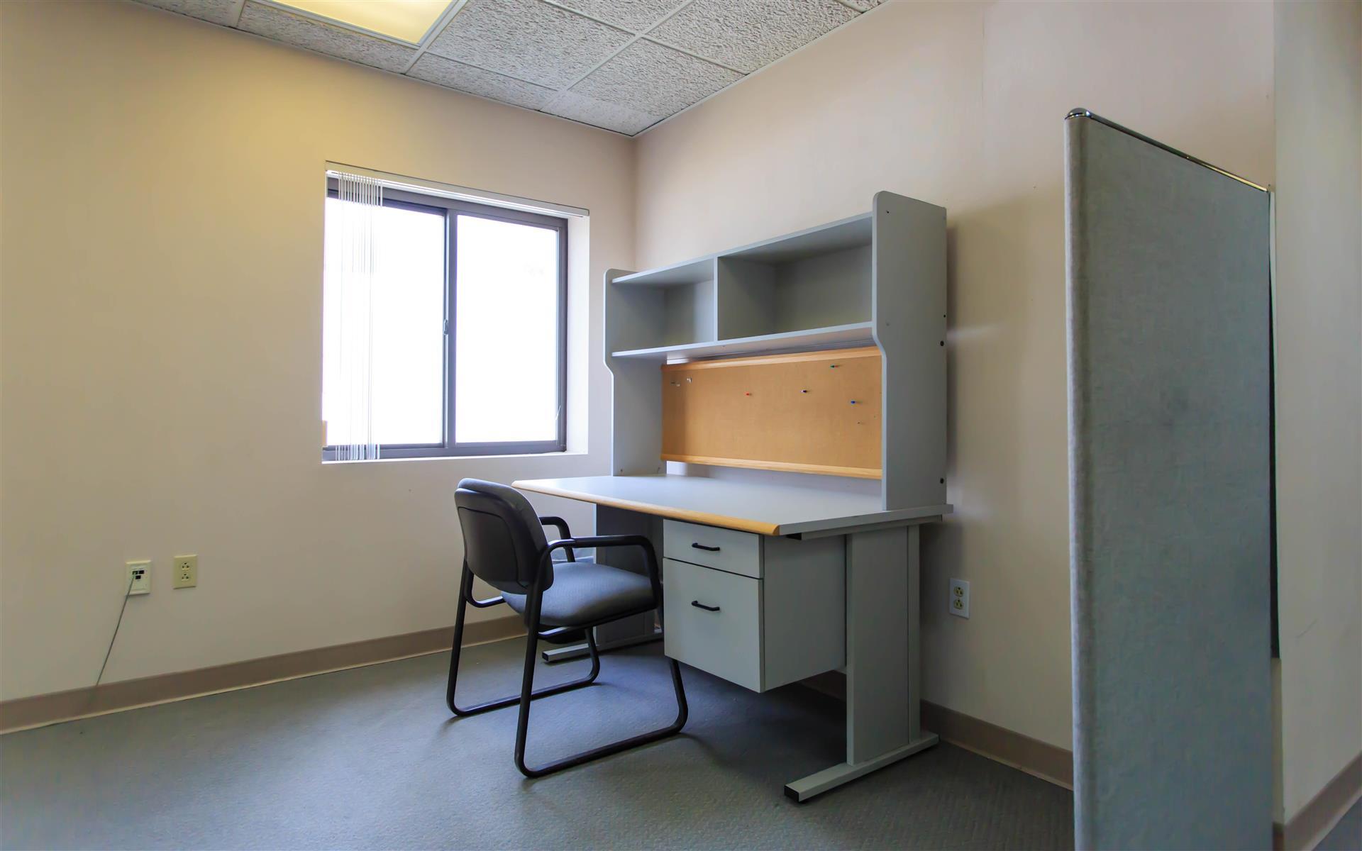 Angstrom - Dedicated Desk