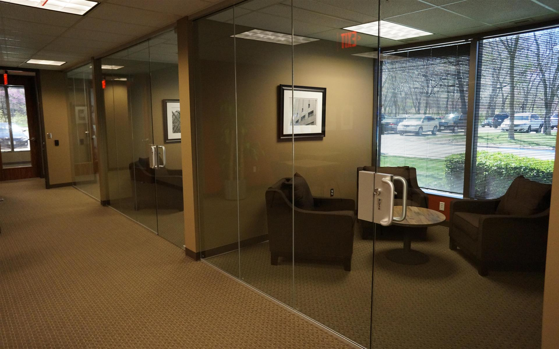Platinum Realty - Overland Park - Soft Seating - Meeting Room