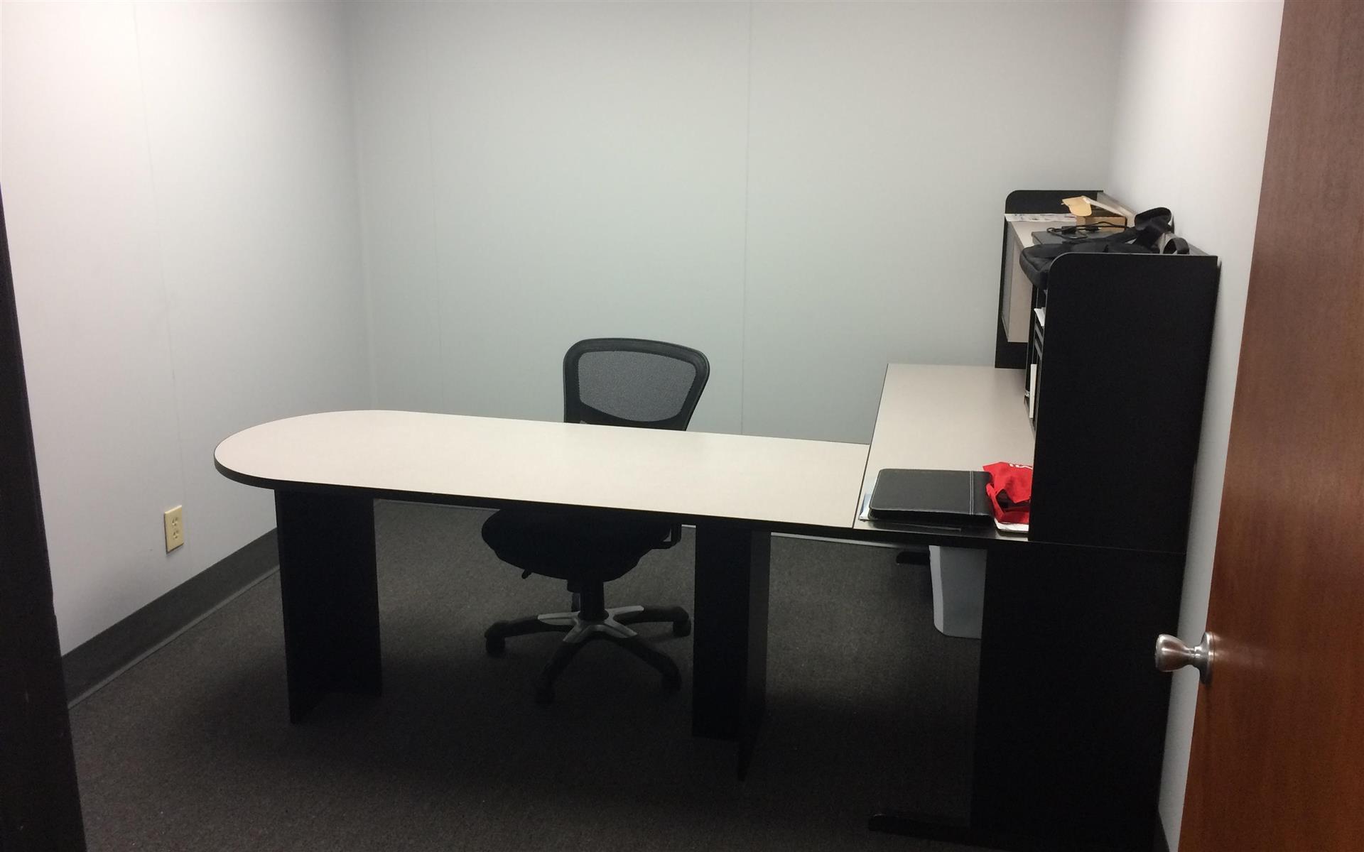 Chiketa-Phoenix Office Space - Individual office