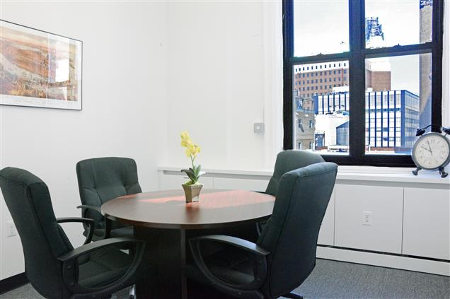 4Corners Business Centers - Downtown Brooklyn, NY - Small Conference Room