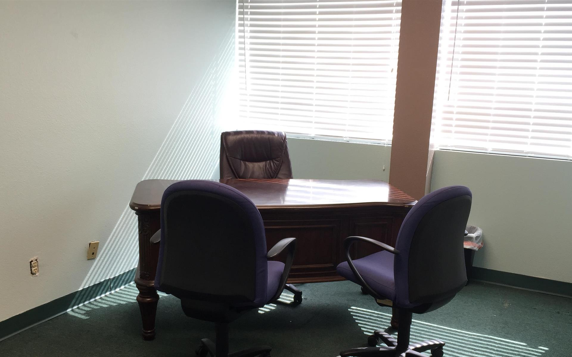 The Met Center AV - Executive Office Suite 515 - F1