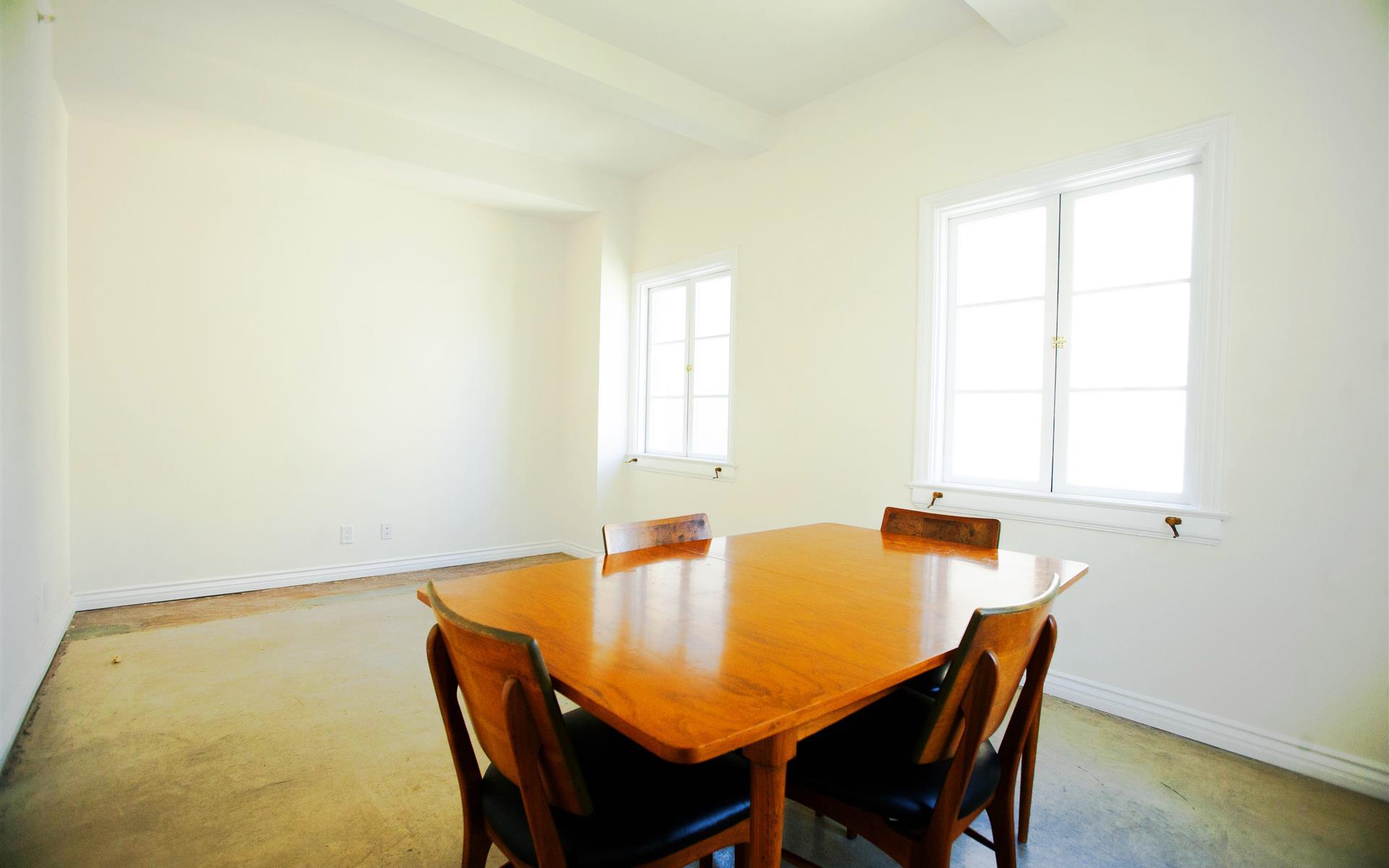 Footprint Productions - Room 1: Sunny Meeting Room