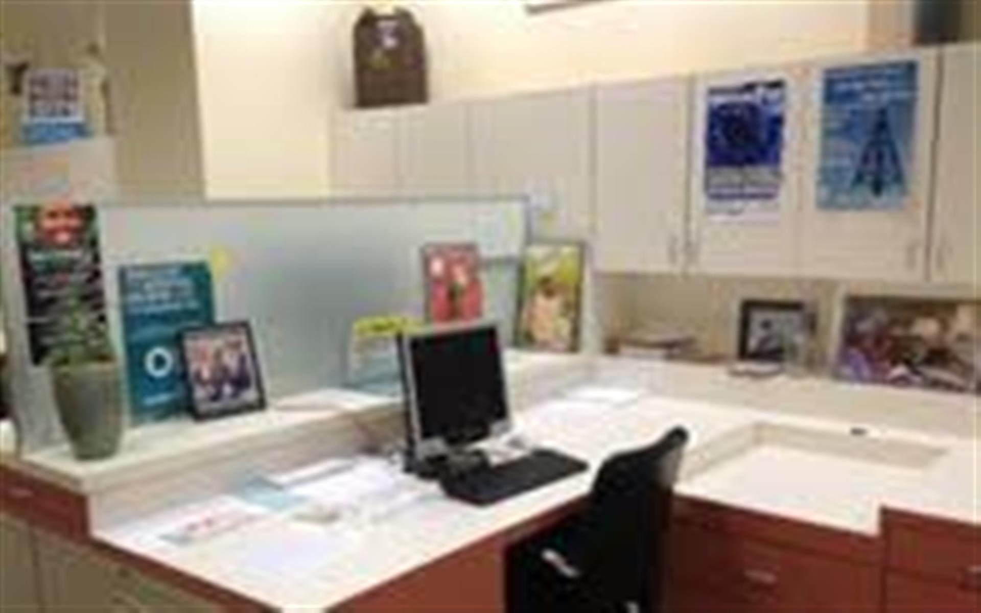 Share Space, Cowork & Local Economy Center, Santa Rosa - Dedicated Desk