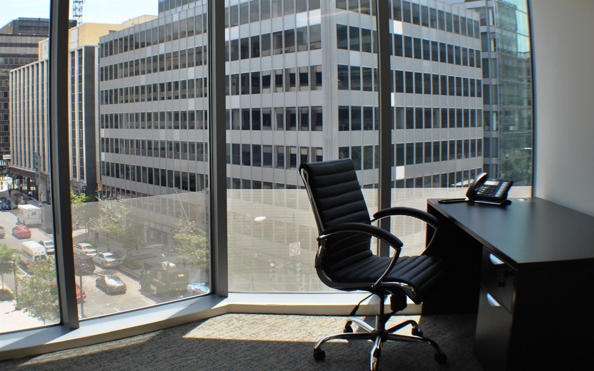 Centurion Center DC - Suite E22 - Windowed Corner Space
