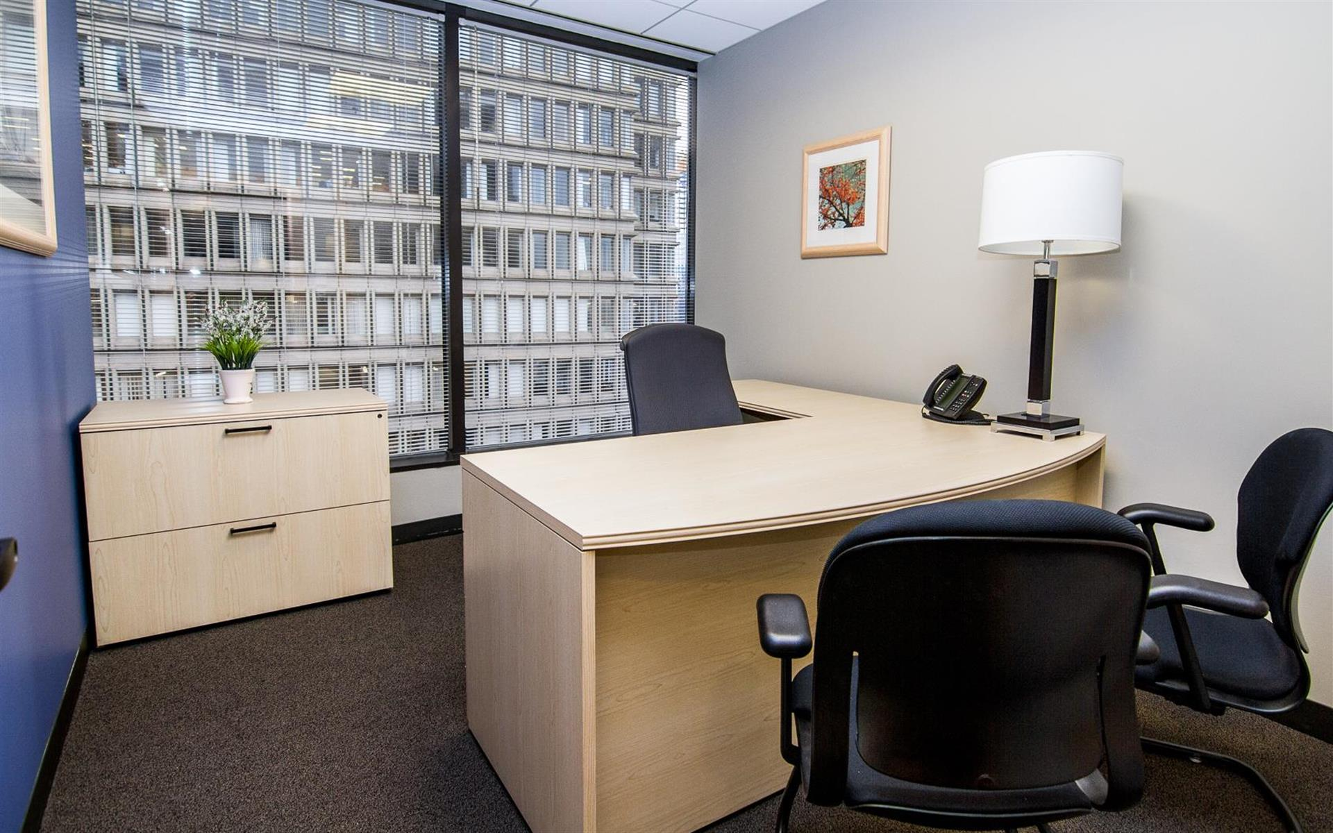Intelligent Office - Boston - Day Office 2