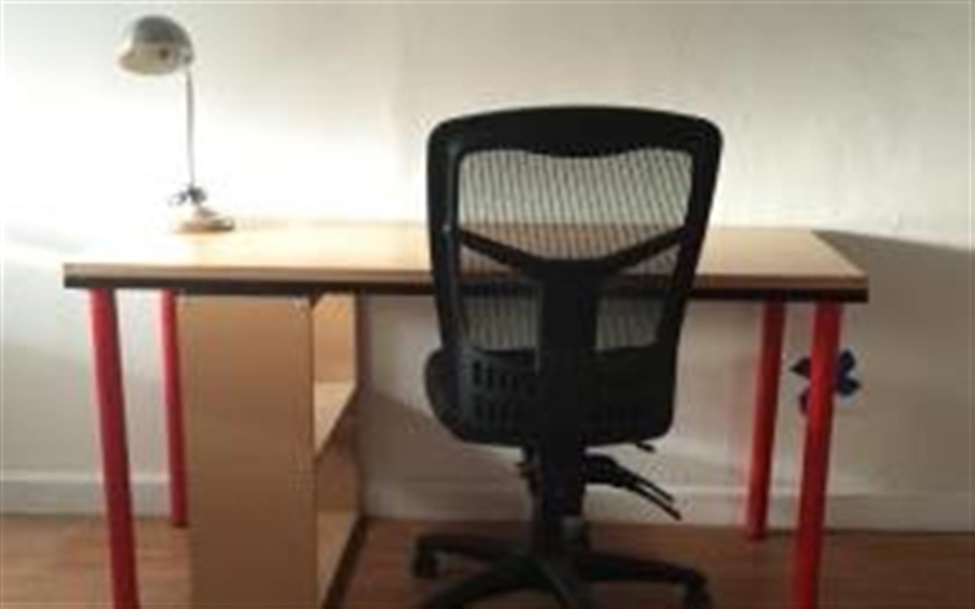 Ground Floor Coworking - Dedicated Desk - Monthly