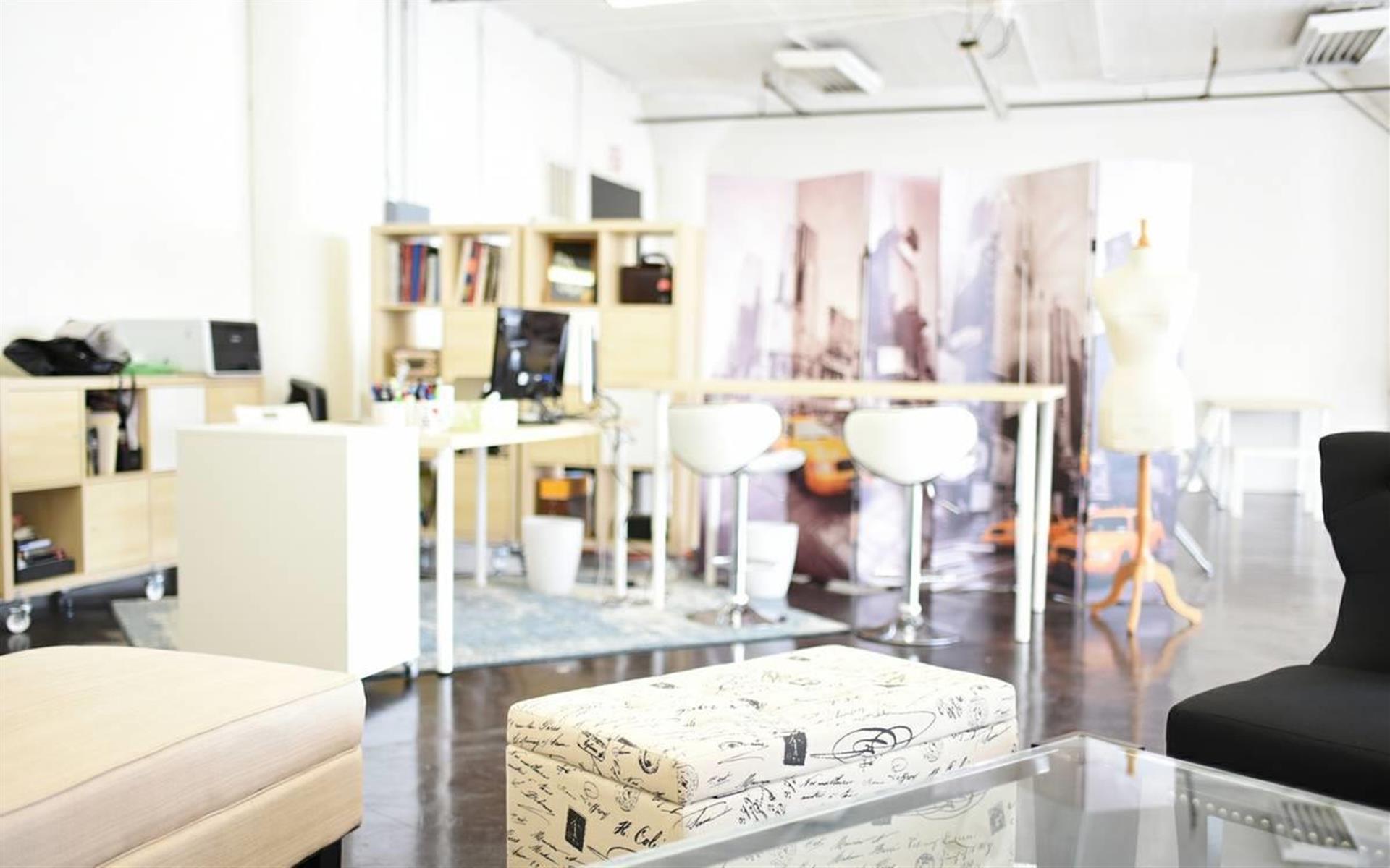 Ana Maria Kim - Dedicated Desk + $75/day for studio