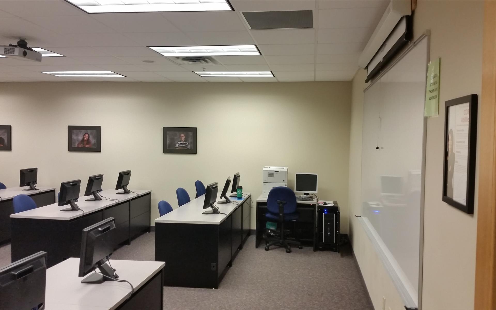 National American University | Burnsville - Computer Lab