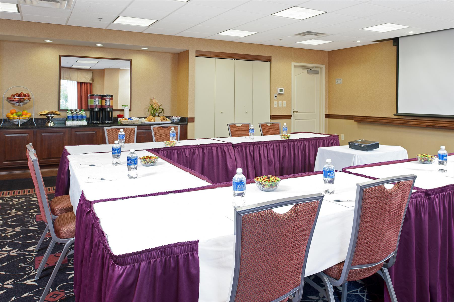 Hampton Inn & Suites Columbus/Easton Area - Continental Meeting Room