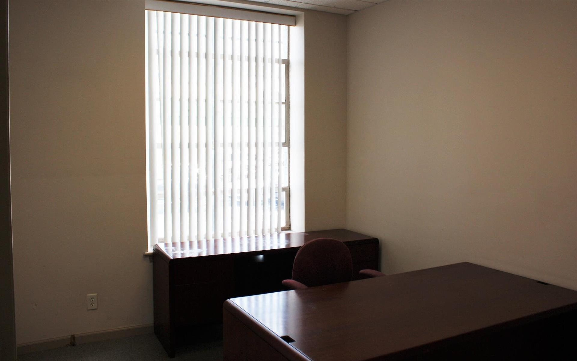 Offices and Coworking in Central NJ - Metuchen, NJ - Suite 106 - Private Office