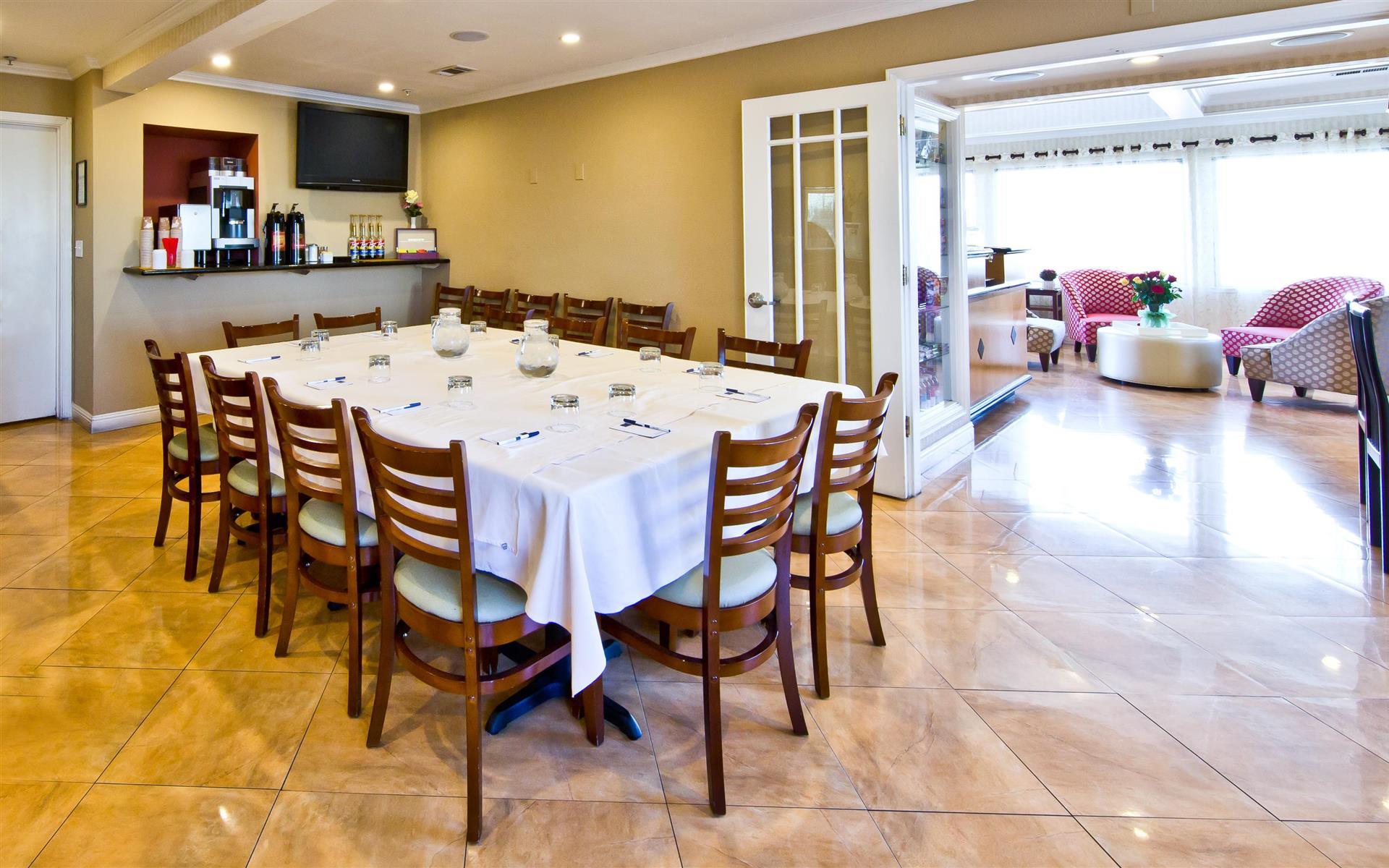 Millwood Inn & Suites - Meeting Room