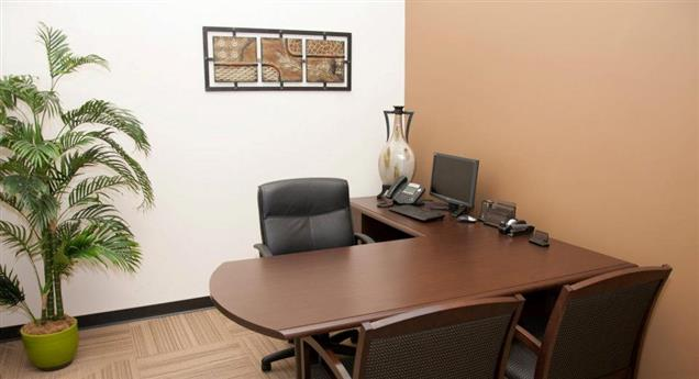 NorthPoint Executive Suites Alpharetta - Guest Office 2