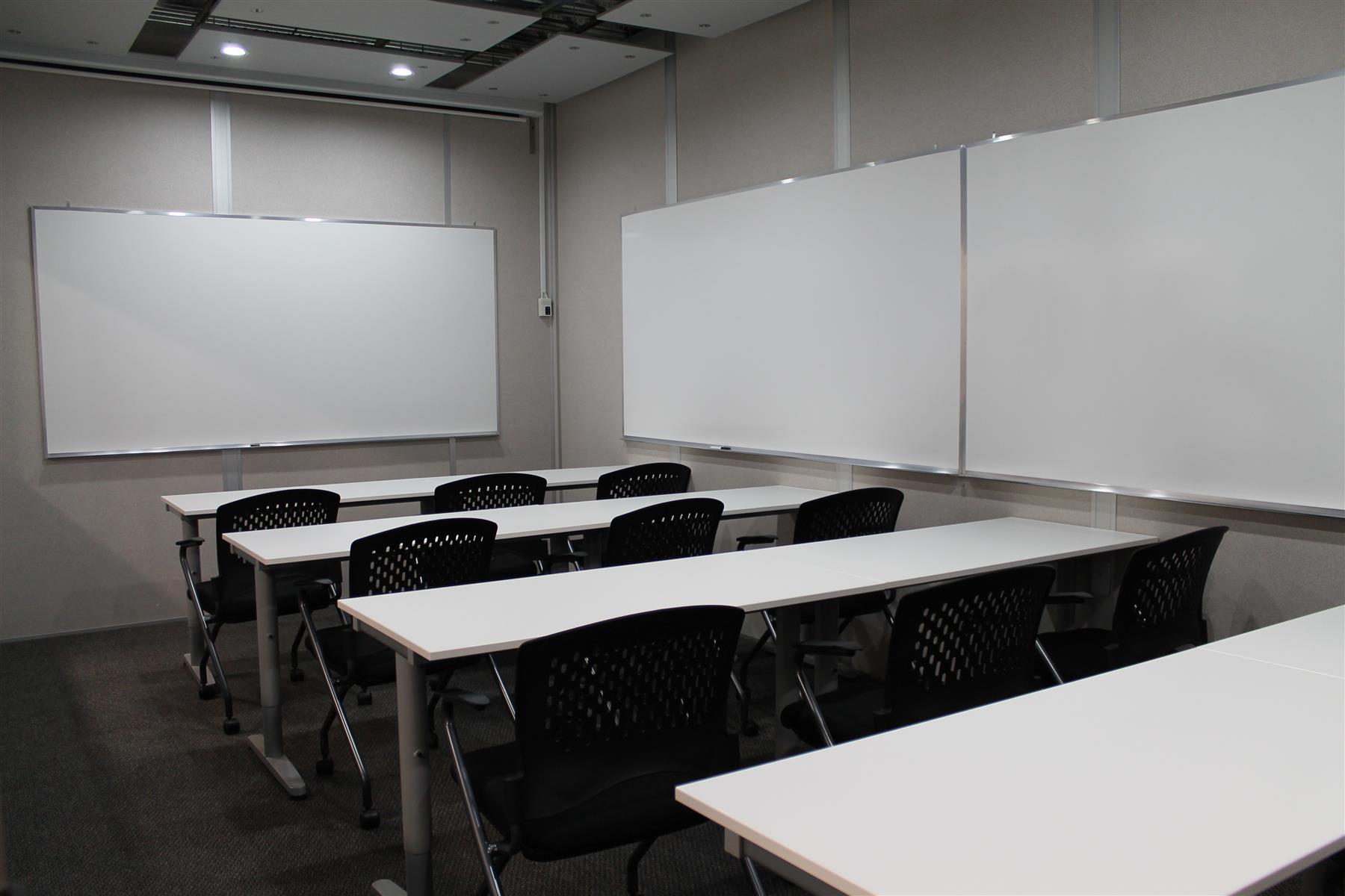 Pro Desk Space - Conference Room