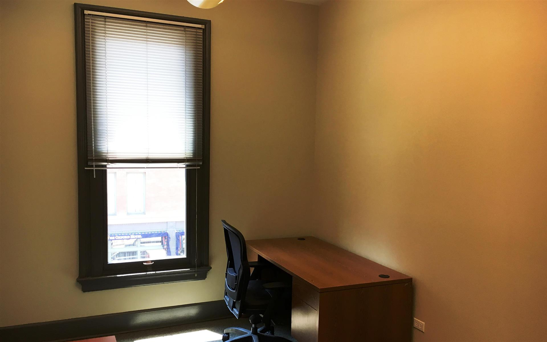 Boardroom Workplaces - LoDo/Union Station - Dedicated Desk