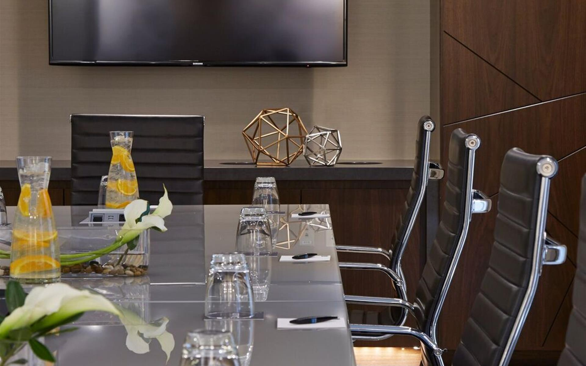 AC Hotel Minneapolis Downtown - Executive Boardroom